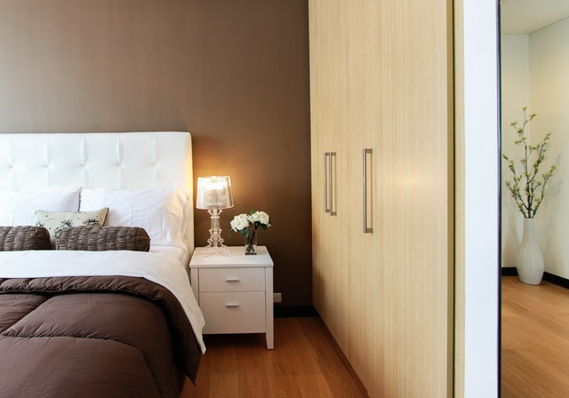 4 Helpful Tips For Decorating Your Bedroom (1)